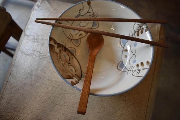 chopsticks, wooden spoon