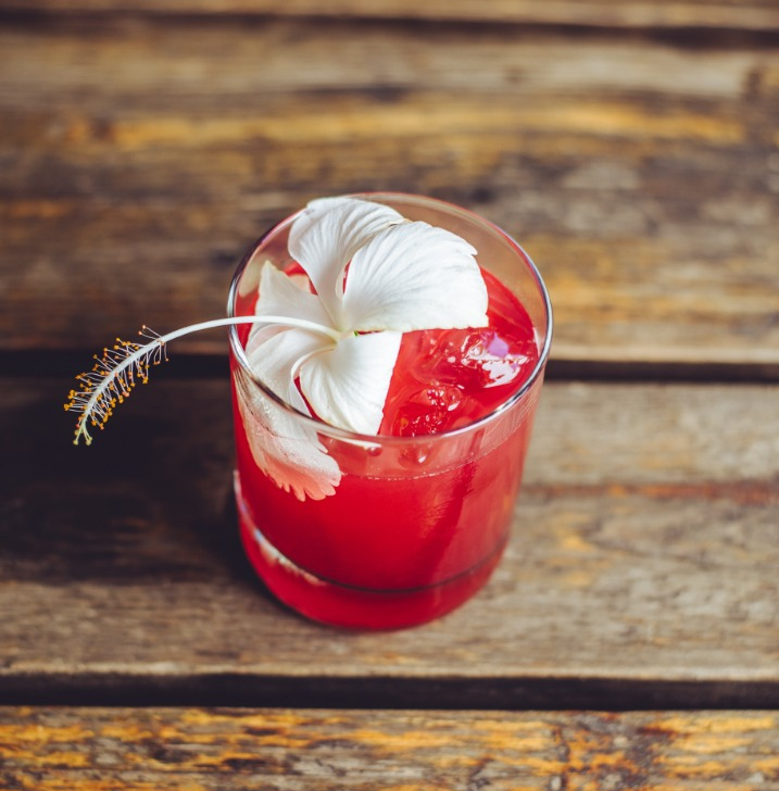 cocktails in uganda, food blog in uganda, buspig backpackers holiday offer, 4foodssakeeat.com